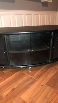Black wooden tv stand with cabinet Innisfil, L0L