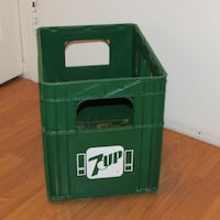 Vintage 7-UP Plastic Crate Large Soda Pop Bottle