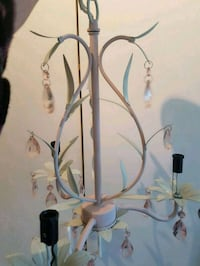 Gorgeous  antique  shabby  chandelier  Whitby, L1N 8X2