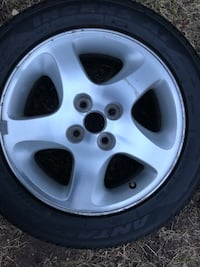 Chrome 5-spoke car wheel with tire New Haven, 06512