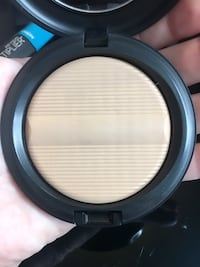 MAC MAKEUP  713 km