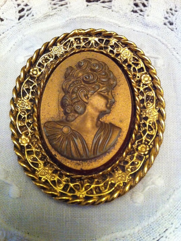 Used Antique Oval French Gold Toned Cameo Stand Frame For Sale In