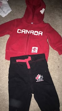Roots Canada tracksuit  Mississauga, L5N 8R3