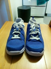 New Nike shoes - size 34 Montreal, H2X 1C4