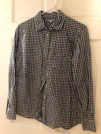 Plaid flannel Uniqlo Shirt Boston, 02113