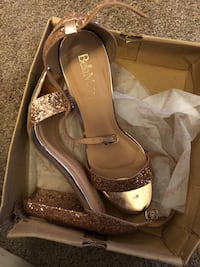 Shoes rose gold heels size10 Charleston, 29407