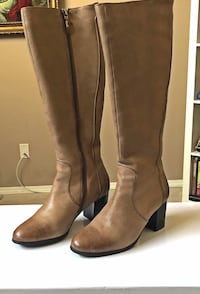 Designer knee-high leather boots  Calgary, T2A 4Y9