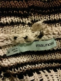 Maurices sweater size small