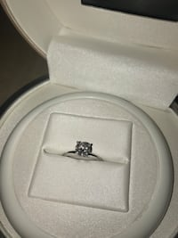 Round diamond solitaire ring Coquitlam, V3J 7Y7