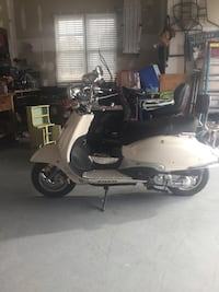 2011 50cc motor scooter Bluemont, 20135