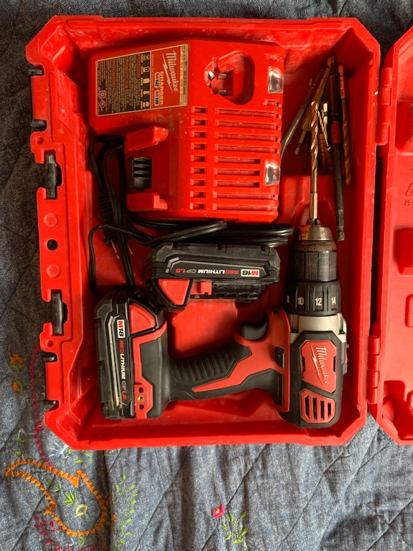 Milwaukee drill with case, charger, and 2 batteries 31f12754-59a2-4132-b1c9-63b500211ff3