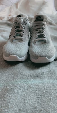 Men's grey Nike air max size 8