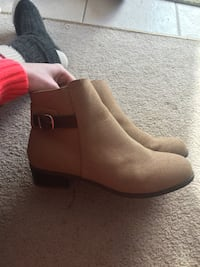 Size 9 ankle boots Red Deer, T4R 2S9