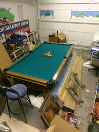 Lightly used pool table + cover Edmonton, T8H