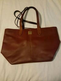 Dooney And Bourke Travel/ Handbag