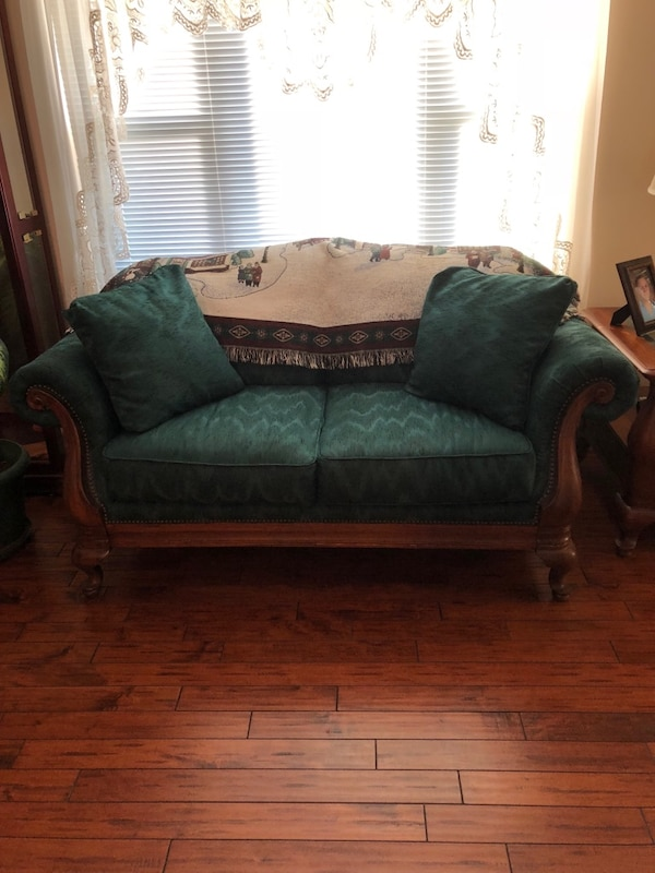 Loveseat / Couch
