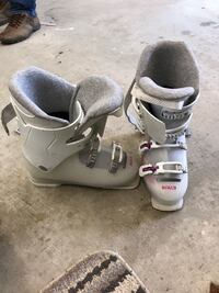 pair of white-and-gray inline skates Mississauga, L5E 2M7
