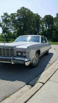 Lincoln - Town Car - 1976 Chicago, 60638