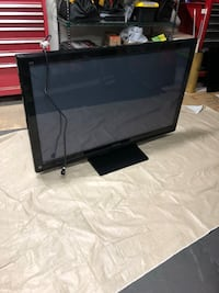 Two Large Newer model TVs Beaumont, 92223