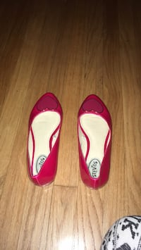 pair of pink leather flats Los Angeles, 91401