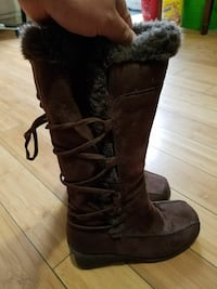 Beautiful brown lace winter boots Los Angeles, 91306
