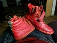 pair of red high-top sneakers Odessa, 79762
