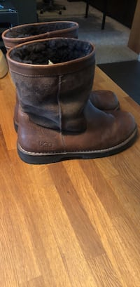 Pair of brown leather cowboy boots Anaheim, 92805