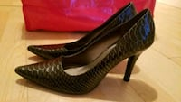 Kenneth Cole heels size 8 women Toronto, M6K 3M8