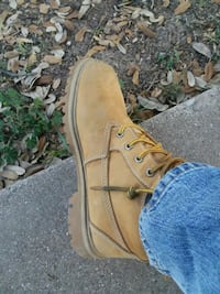 unpaired brown suede work boot San Angelo, 76901