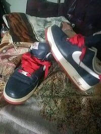 Nike Air shoes size 9 Louisville, 40219