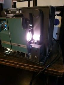 Working Vintage Bell and Howell 16mm Autoload Soun