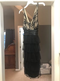 Women's size L dress worn once, ties  in the back (second picture)  Columbia, 17512