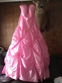 Pink prom dress Dowagiac, 49047