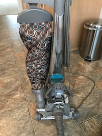 Kirby Sentria 2 II Vacuum Cleaner W Attachments and Carpet Shampoo System - like NEW Victoria, 55386