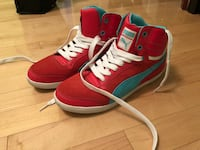 Red and blue puma sneakers Montréal, H1H 4G5