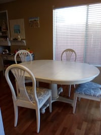 Ethan Allen table with 4 chairs Sloughhouse