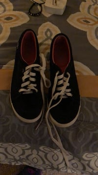 pair of black-and-white sneakers Ashburn, 20148