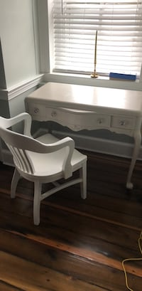Antique desk and chair Leesburg, 20176
