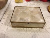 Mother of pearl trinket jewelry box  Victoria, V8V