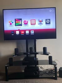 Sanyo 55' inch TV includes stand and blu Ray DVD player Las Vegas, 89169