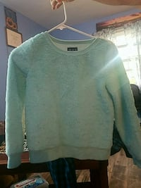 Size 10 1/2 children sweater Arlington, 22204