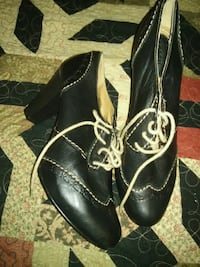 pair of black leather boots Waldorf, 20602