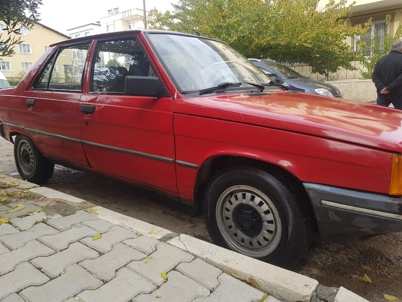 1990 Renault Brodway 1.4  32233e6f-cf4a-4603-88ac-5d84abfd63cd