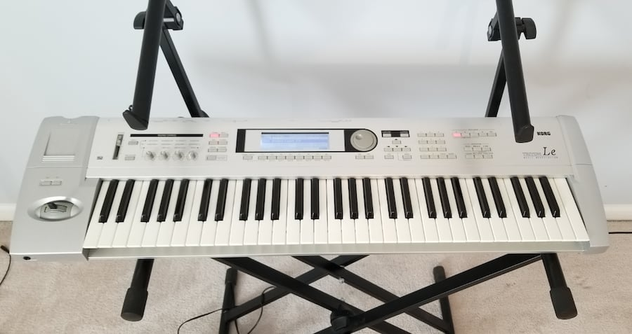 Korg Triton LE 61 Keyboard  Excellent Condition  3