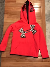 Girls youth small underarmour hoodie