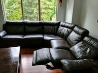 leather sectional couch must pick up soon moving Pitt Meadows, V3Y 2K9