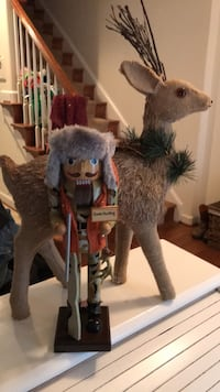 Adorable! New Gone Hunting Collectible Nut Cracker  20 mi