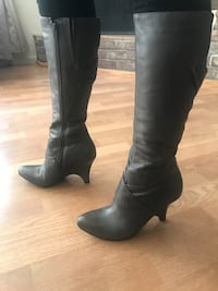 pair of black leather knee-high boots Castroville, 95012