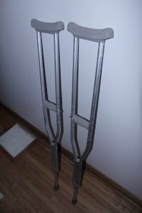 Walking crutches barely used Toronto, M5T 2M8