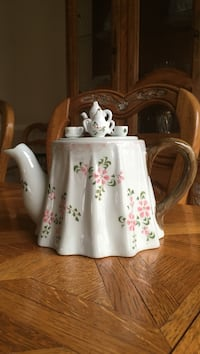 White and green floral ceramic teapot Rolesville, 27571